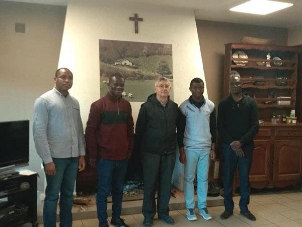 Exercices spirituels pour les novices en France