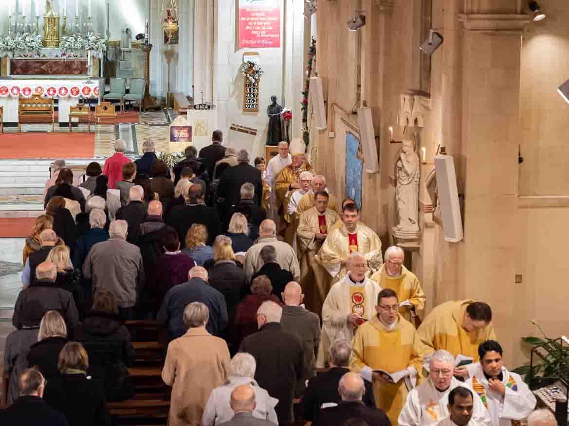 Un archevêque accueille notre invitation